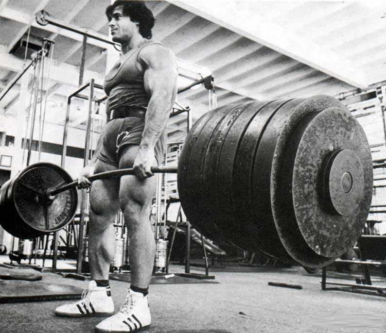 Franco Columbu dead lifting
