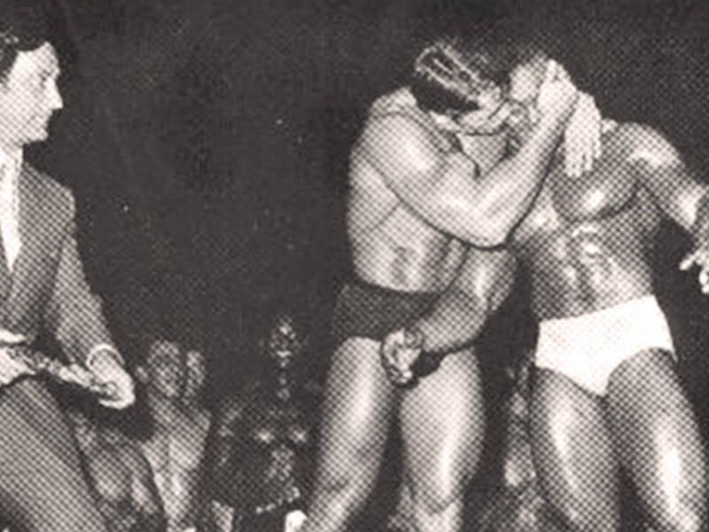 Arnold Kissing Sergio